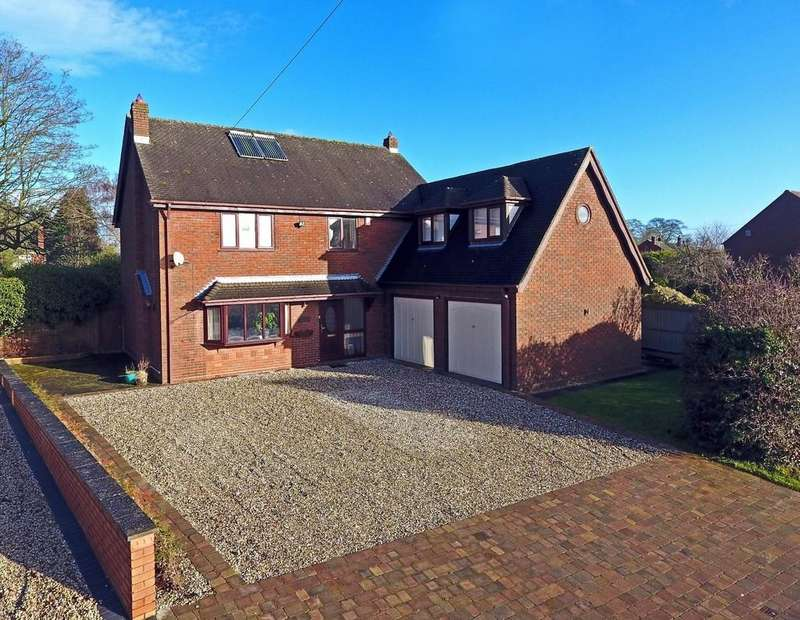 4 Bedrooms Detached House for sale in Shute Hill, Chorley
