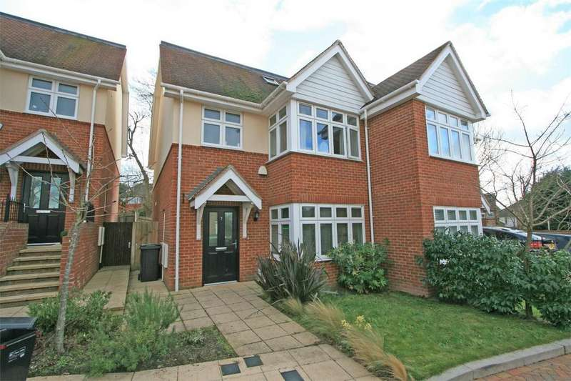 4 Bedrooms Semi Detached House for sale in Milverton Place, Bromley, Kent