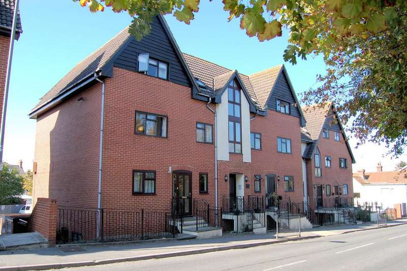 2 Bedrooms Flat for rent in LIPHOOK