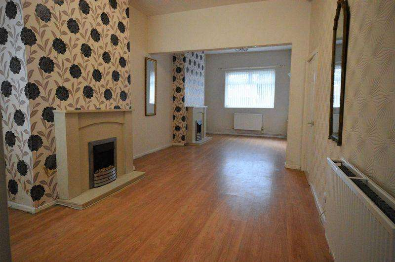 2 Bedrooms Terraced House for sale in Daisy Bank, Manchester