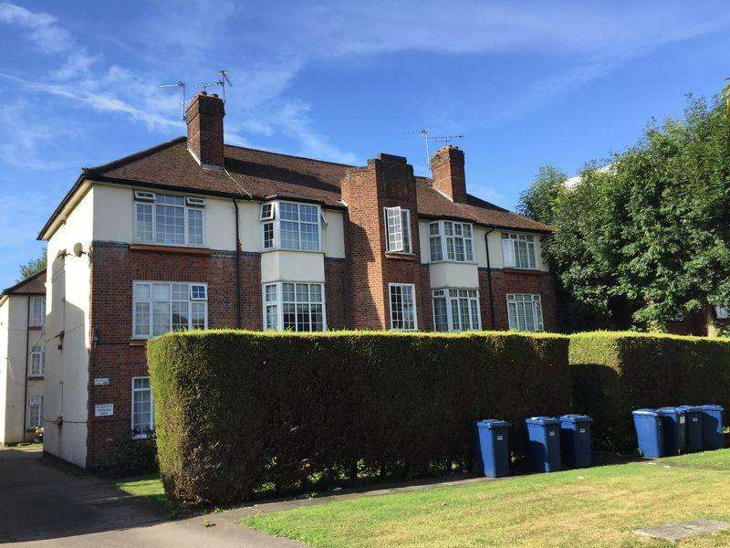 2 Bedrooms Apartment Flat for sale in Hale Lane, Mill Hill