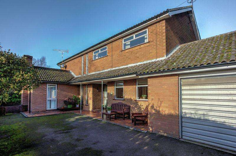 4 Bedrooms Detached House for sale in Springhead Lane, Ely