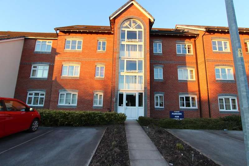 2 Bedrooms Flat for sale in 128 Dean Road, Cadishead