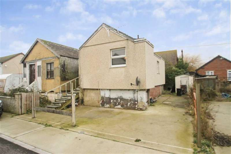 1 Bedroom Detached Bungalow for sale in Talbot Avenue, Jaywick