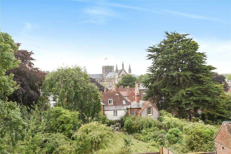 3 Bedrooms Flat for sale in Southgate Street, Winchester, Hampshire, SO23