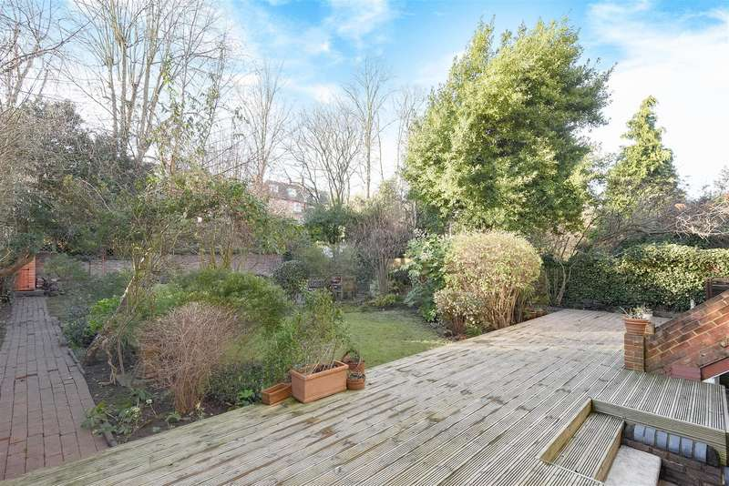 3 Bedrooms Flat for sale in Daleham Gardens, Belsize Park, NW3