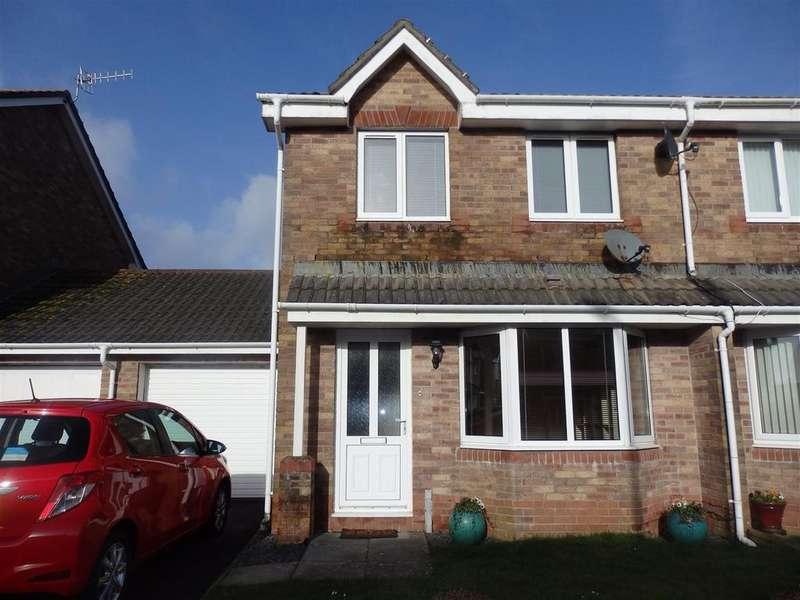 3 Bedrooms Semi Detached House for sale in Sandpiper Road, Llanelli