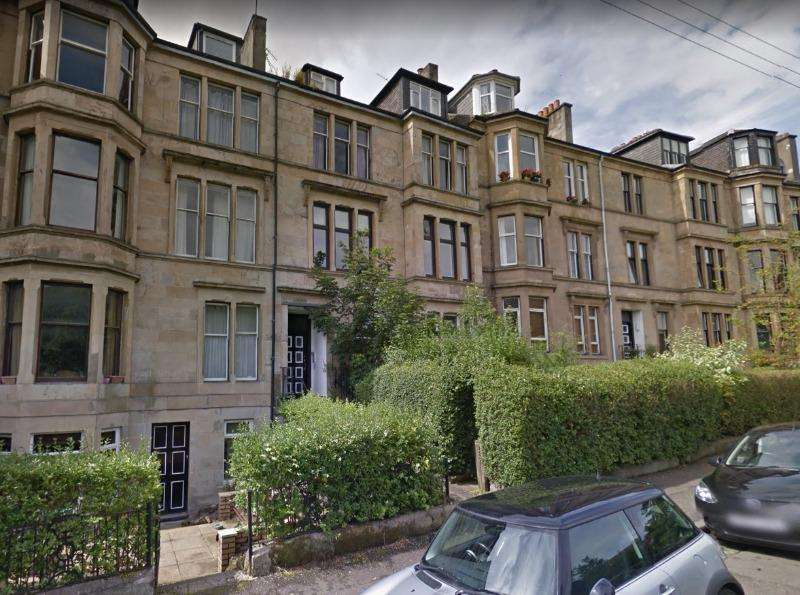 3 Bedrooms Flat for rent in Hayburn Crescent , Partickhill, Glasgow, G11 5AY