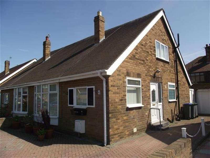 2 Bedrooms Bungalow for rent in Wellogate Gardens, Blackpool FY4 2JP