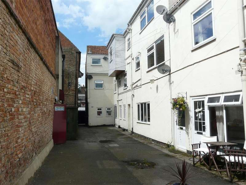 1 Bedroom Flat for sale in 2 Buck Precinct, Pocklington, York