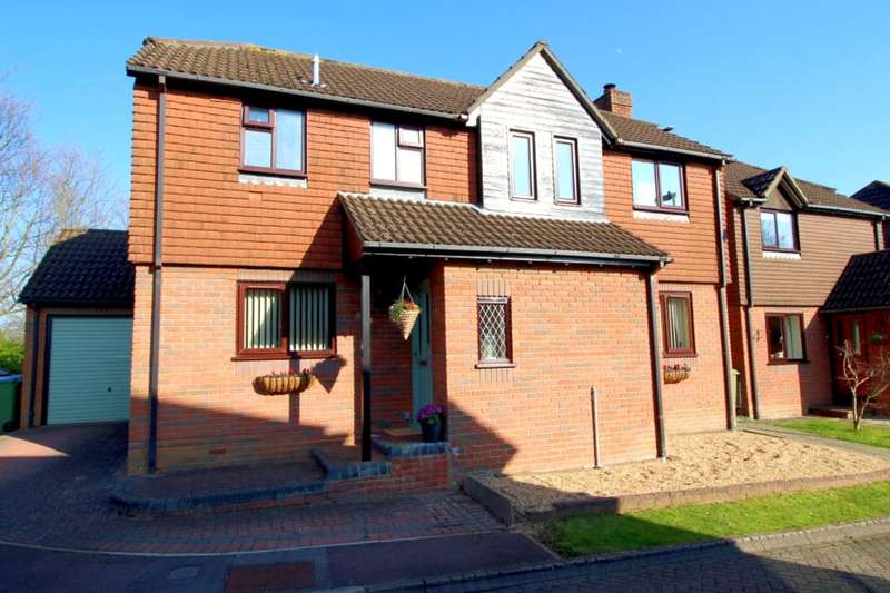 4 Bedrooms Detached House for sale in Steeple Way, Fareham, PO14