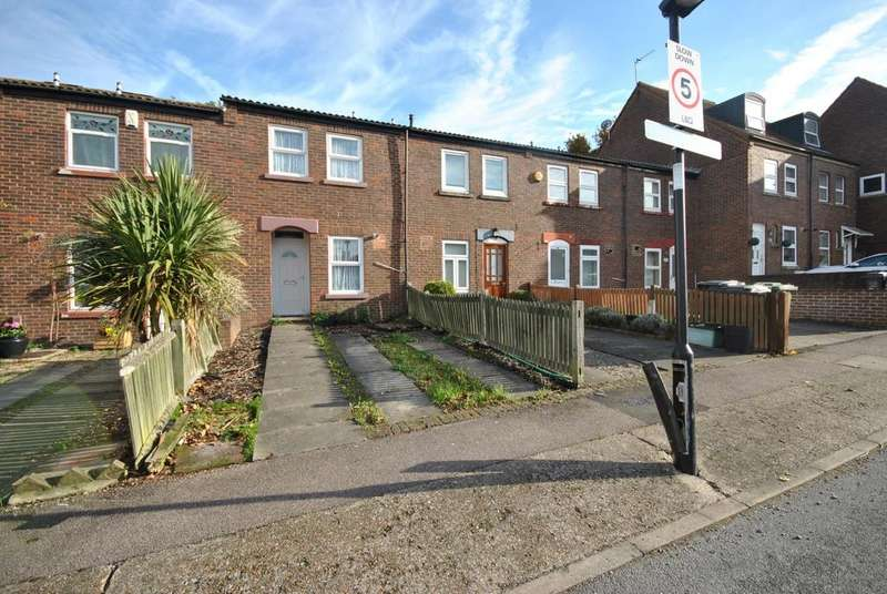 2 Bedrooms Terraced House for sale in Grace Close London SE9