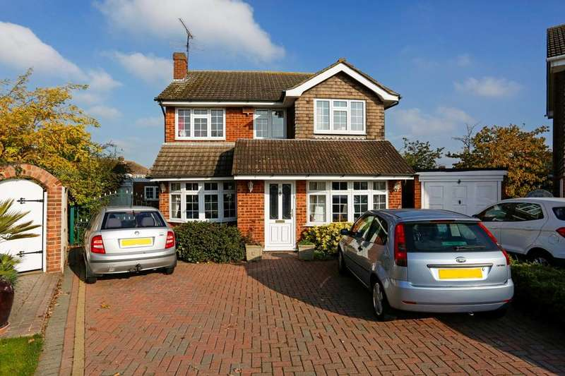 4 Bedrooms Detached House for sale in The Elkins, Romford, RM1