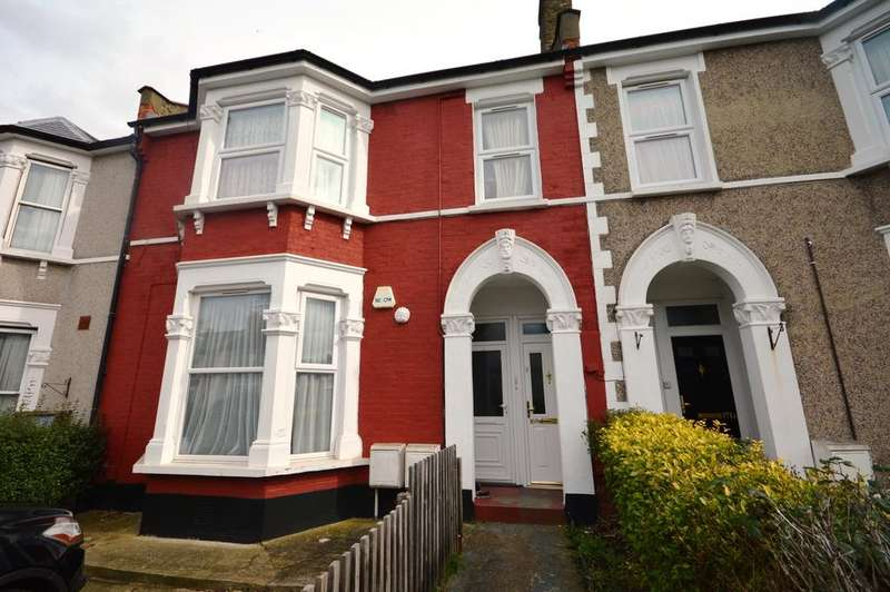 2 Bedrooms Flat for sale in Broadfield Road London SE6