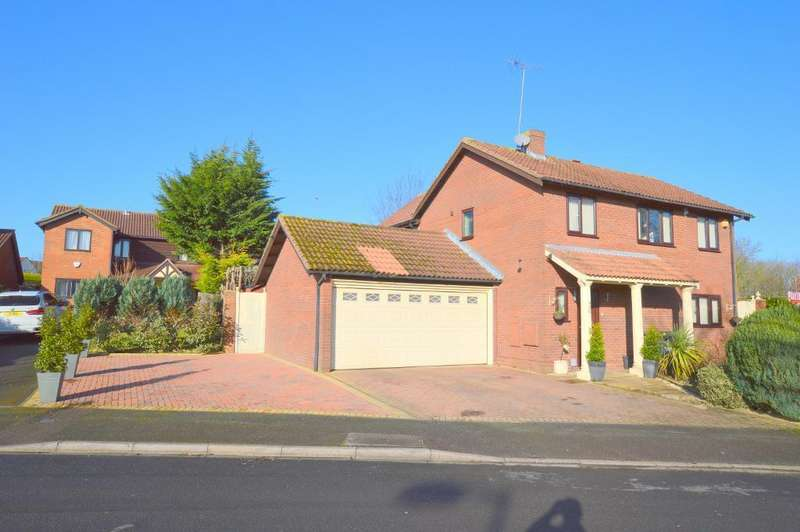 5 Bedrooms Detached House for sale in Stoneleigh Close, Luton, LU3 3XE