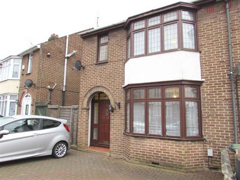 3 Bedrooms Semi Detached House for rent in Shakespeare Road, Luton