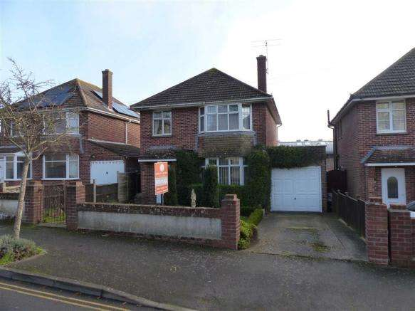 3 Bedrooms Property for sale in Radipole Park Drive, Weymouth, Dorset