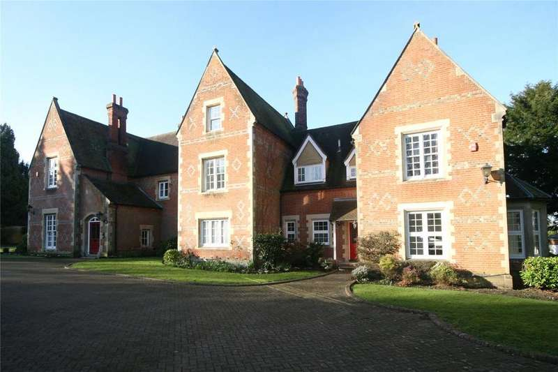 3 Bedrooms Flat for rent in The Old Vicarage, Wrotham Road, Gravesend, Kent, DA13