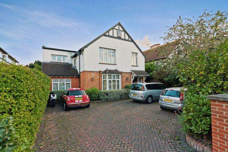 3 Bedrooms Flat for sale in Mill Road, Worthing