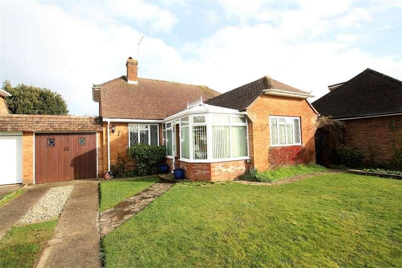 2 Bedrooms Bungalow for sale in Laburnum Close, Ferring, West Sussex, BN12