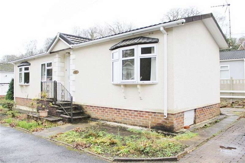 2 Bedrooms Park Home Mobile Home for sale in Mill Gardens, Blackpill