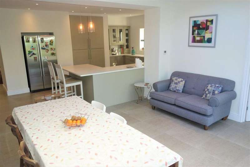 5 Bedrooms Semi Detached House for rent in Stanwell Road, Penarth