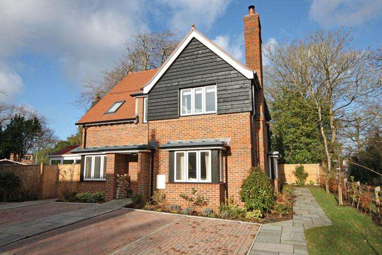 3 Bedrooms Semi Detached House for sale in Springfield , Lower Pennington Lane, Lymington SO41