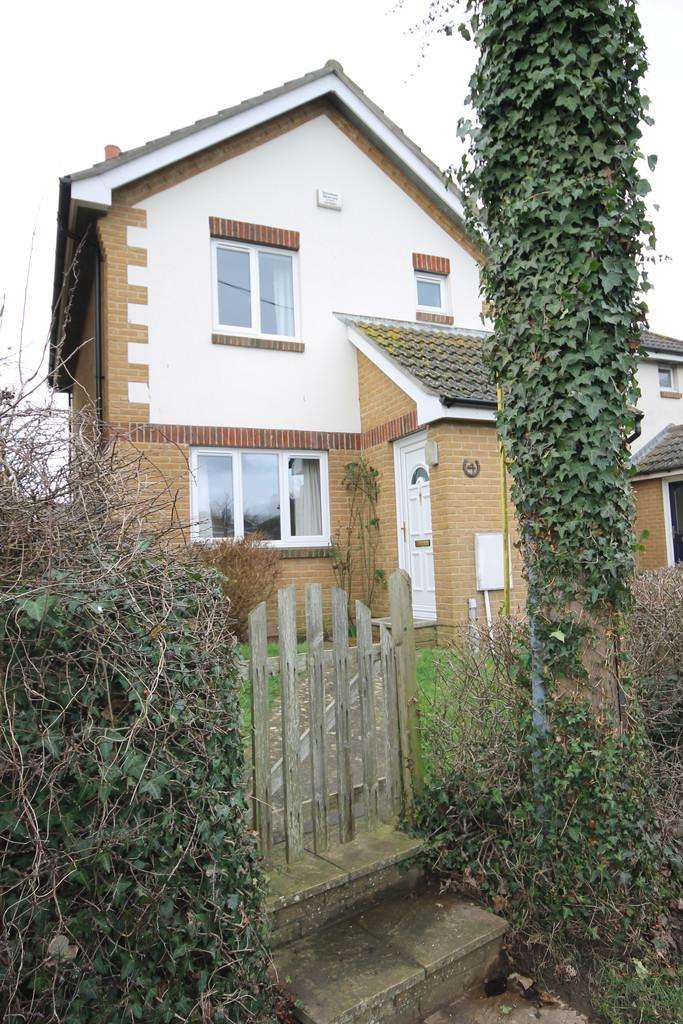 3 Bedrooms Semi Detached House for rent in Stroud Road, Freshwater