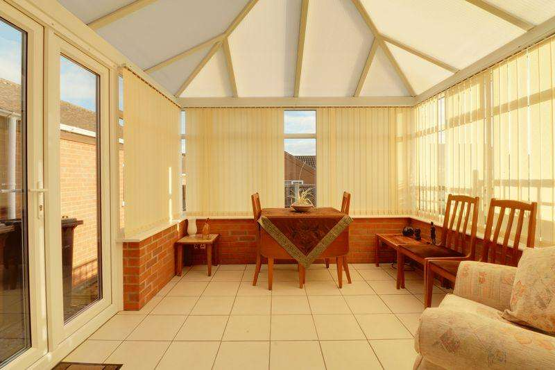 1 Bedroom Detached Bungalow for sale in Paddock Rise, Barrow-Upon-Humber