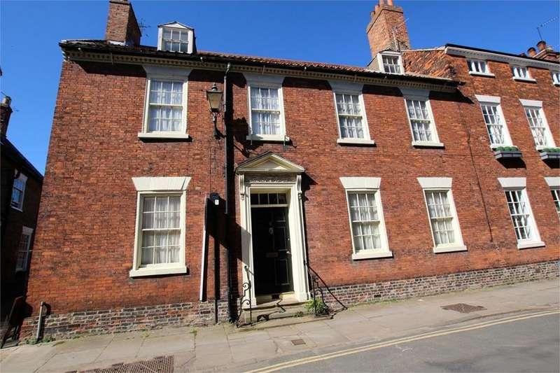7 Bedrooms Semi Detached House for sale in Newbegin, Beverley, HU17