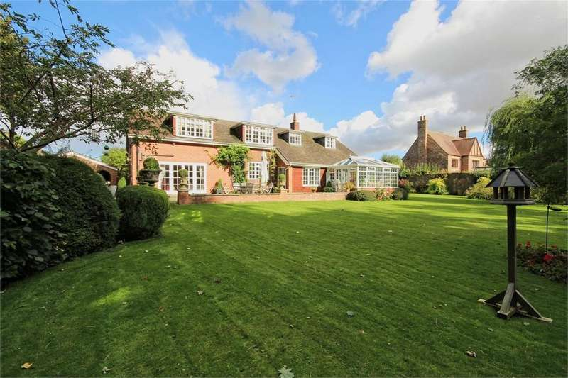 4 Bedrooms Detached House for sale in Scarborough Road, Driffield, YO25