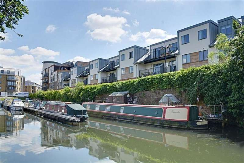 2 Bedrooms Flat for sale in The Waterfront, Hertford, Herts, SG14