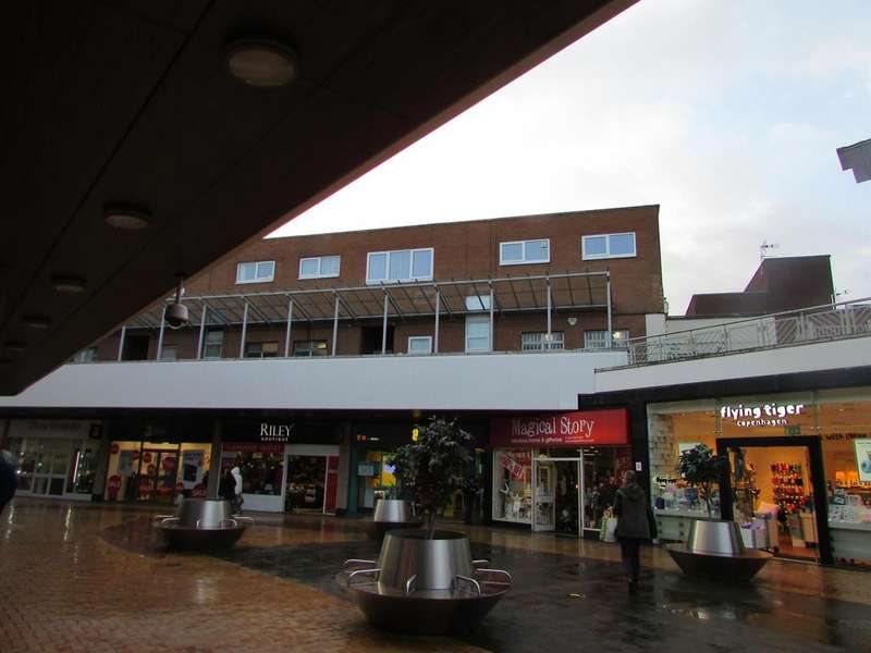 2 Bedrooms Flat for rent in Gracechurch Centre, Sutton Coldfield, West Midlands