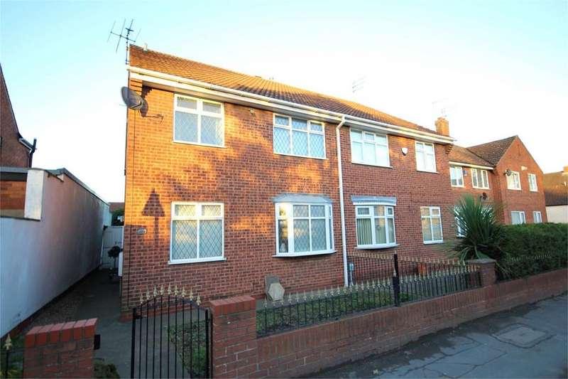 4 Bedrooms Semi Detached House for sale in Northgate, Cottingham, HU16