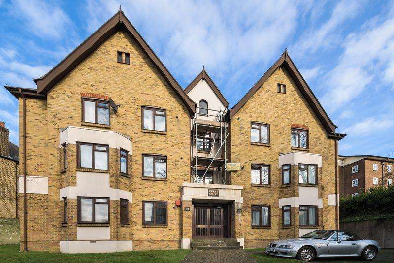 2 Bedrooms Apartment Flat for sale in Duke's Court, Lewisham Road, Lewisham