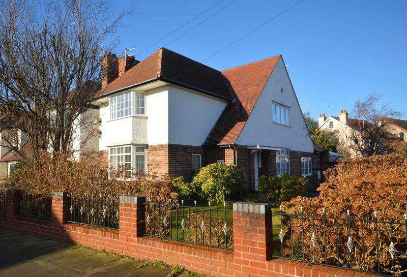 4 Bedrooms Detached House for sale in Gorse Road, Meols