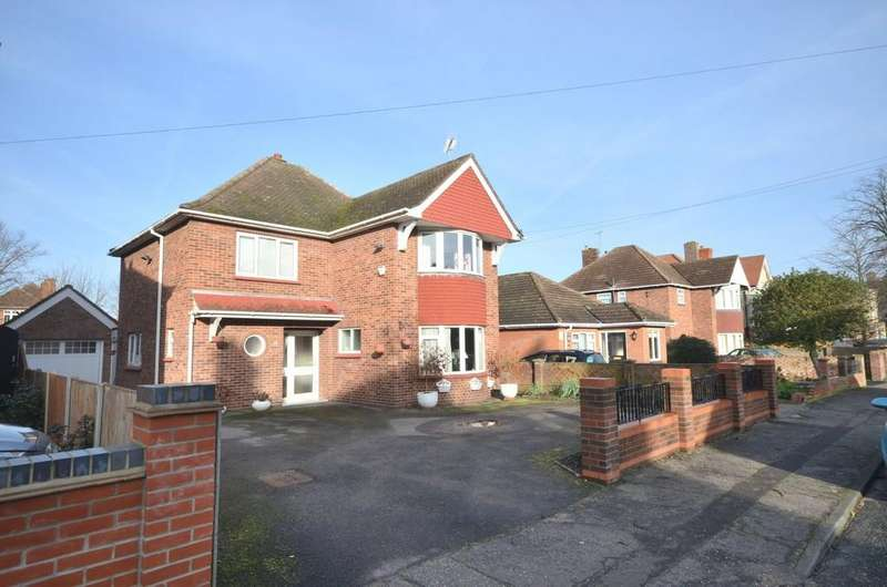 4 Bedrooms Detached House for sale in Cambridge Road, Colchester