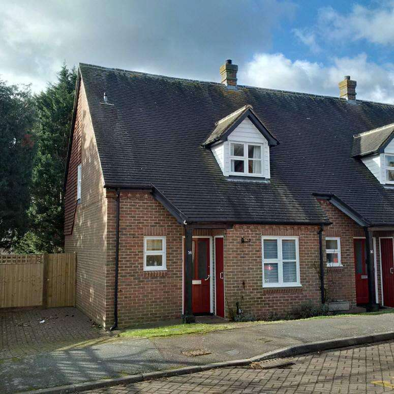 2 Bedrooms House for sale in Rectory Fields, Cranbrook, Kent, TN17 3JB