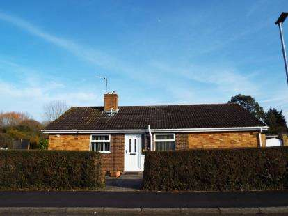 3 Bedrooms Bungalow for sale in Gaywood, Kings Lynn, Norfolk