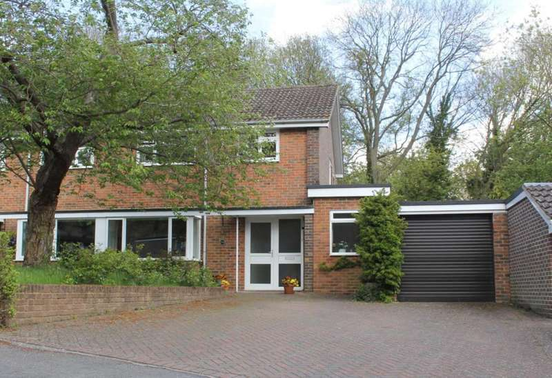 3 Bedrooms Semi Detached House for sale in SPACIOUS and RARELY available 3 BED SEMI DETACHED home with NO UPPER CHAIN in HP1.