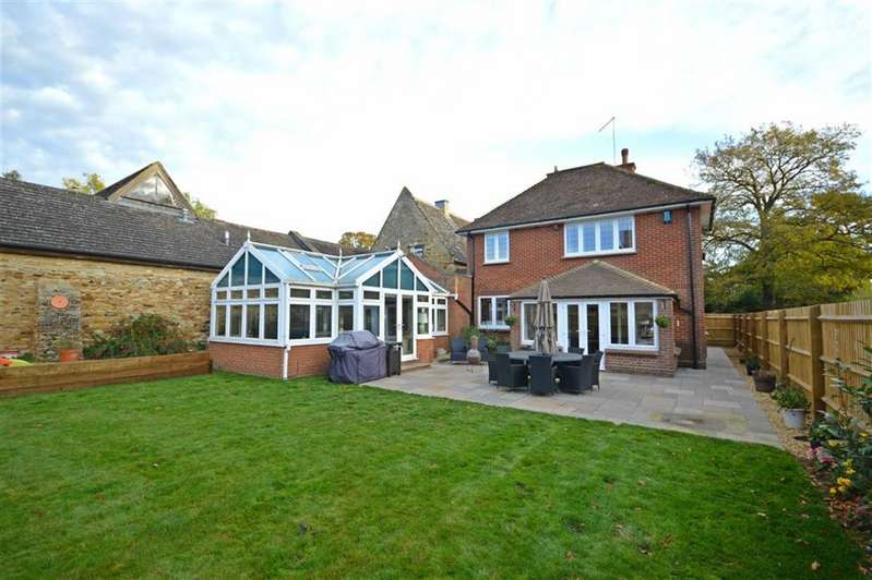 4 Bedrooms Detached House for sale in Kingsthorpe