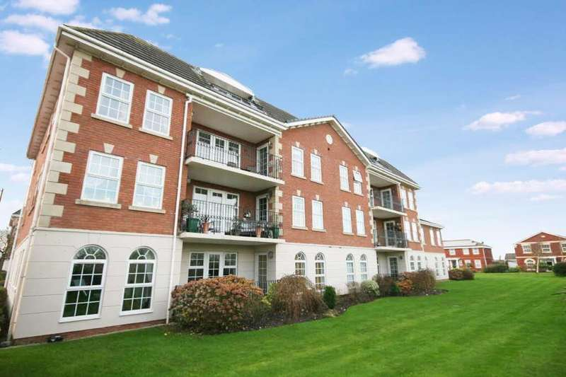 3 Bedrooms Apartment Flat for sale in The Lodge, Cypress Point, Lytham