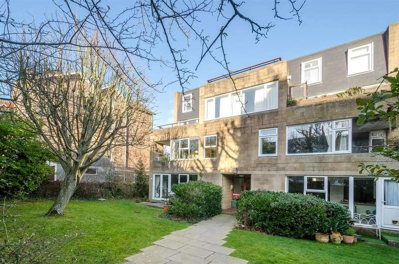 2 Bedrooms Apartment Flat for sale in Clifton Wood Road, Bristol