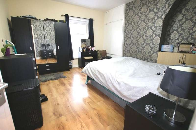2 Bedrooms Terraced House for sale in Addison Street, Johnston Street Area, Blackburn