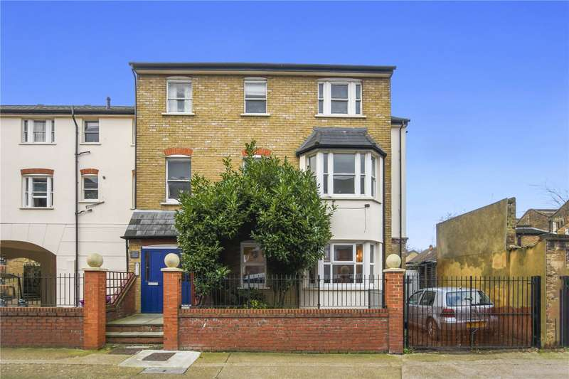 1 Bedroom Flat for sale in Ordell Court, 2 Ordell Road, London, E3