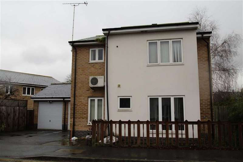 4 Bedrooms Detached House for sale in Waxlow Way, Northolt