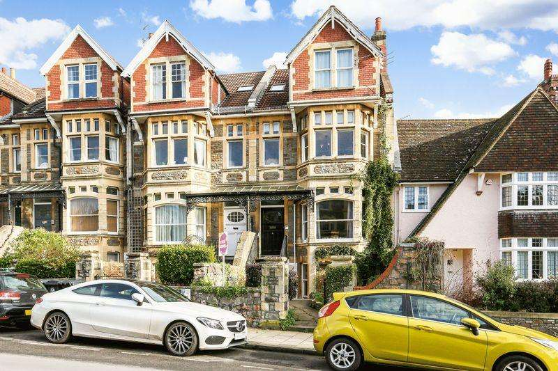 2 Bedrooms Flat for sale in Pembroke Road, Bristol