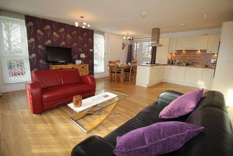 2 Bedrooms Flat for rent in East Fettes Avenue, Fettes, Edinburgh, EH4 1FZ