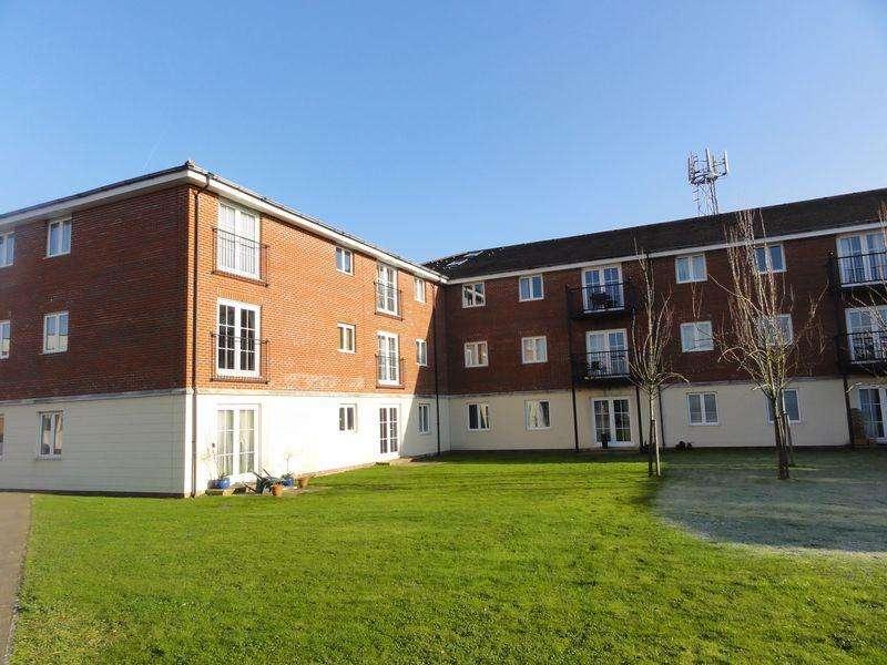 2 Bedrooms Ground Flat for sale in Brookers Road, Billingshurst