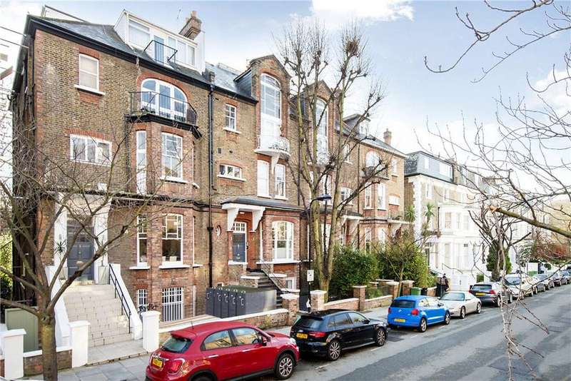 2 Bedrooms Flat for sale in Adamson Road, London, NW3